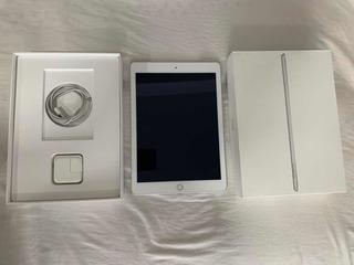iPad 5ta Generación Blanca Impecable
