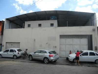 Galpão No Bonsucesso, 2 Banheiros, Salas, Recepção