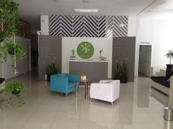 Se Renta Oficina Sobre Av. Hidalgo En Zona Centro