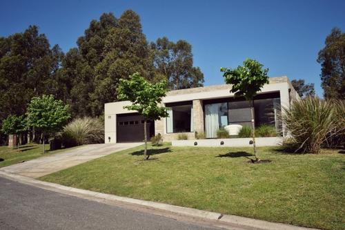 Casa Con Pileta En Arenas Del Sur // Ficha 23292