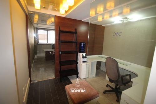 Sala Comercial Para Alugar Com 37m² Por R$ 1.300,00 No Bairro Água Verde - Curitiba / Pr - Sl0021