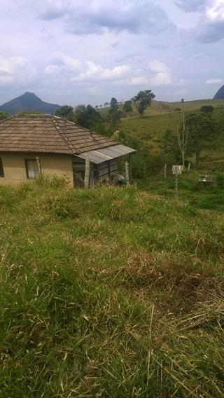 Sitio No Sul De Minas Com 12 Ha , Na Cidade De Carvalho , Com Muita Água , Luz E Uma Cachoeira No Terreno. - 271