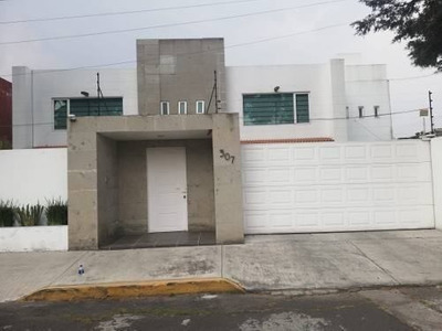 Casa En Venta En Fracc La Virgen, Metepec, Av Tecnologico
