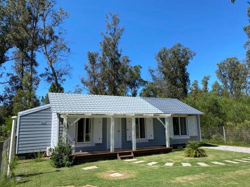 Casa Con Gran Jardín En Punta Negra