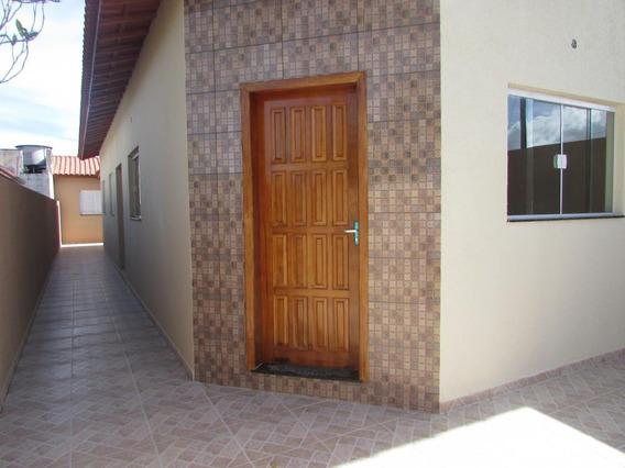 67- Casa Á Venda Com 77 M², 2 Dormitórios Sendo 1 Suíte.