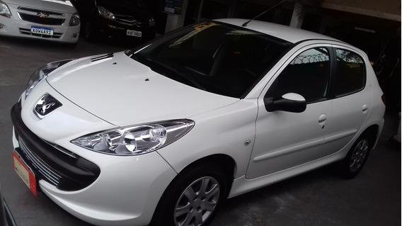 Peugeot 207 1.4 Xr Flex 4p