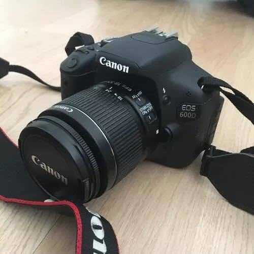Canon T3i: 600d