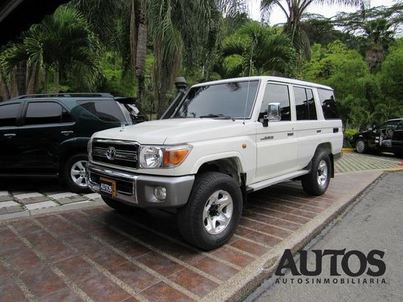 Toyota Land Cruiser Lx Turbo Diesel 4x4 Mt 10puestos Cc4200