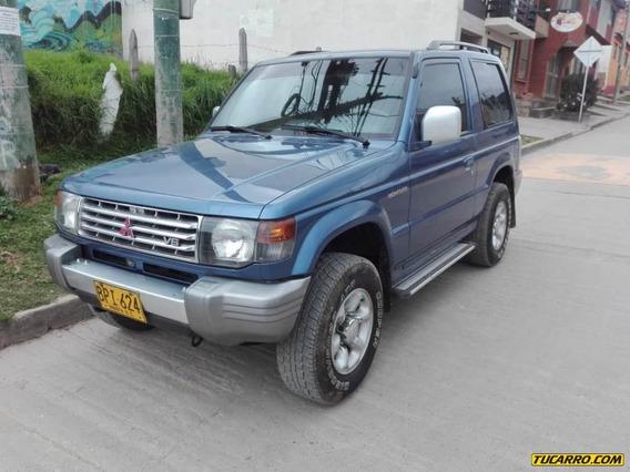 Mitsubishi Montero V13 Vna