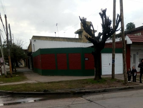 Excelente Casa Con Depto, La Florida. Quilmes.