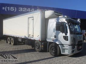 Ford Cargo 2429 - 4º Eixo - 2013 - Baú Refrigerado