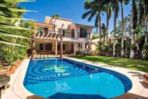 Venta Casa Residencial En Playa Del Carmen