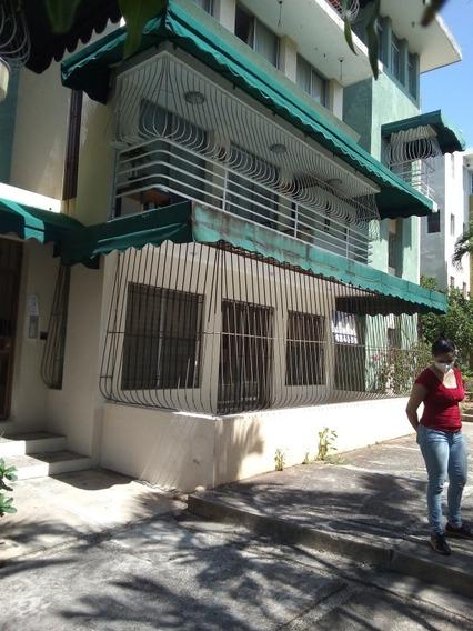 Fresco Apartamento En Primer Nivel Próximo Al Mirador