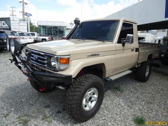 Toyota Macho Hembra