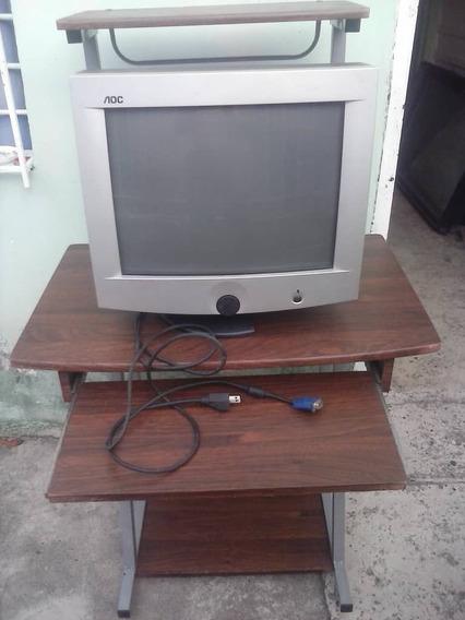 Monitor Y Mesa Para Computadora Excelente Estado