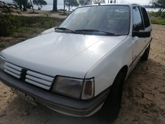 Peugeot 205 1.0