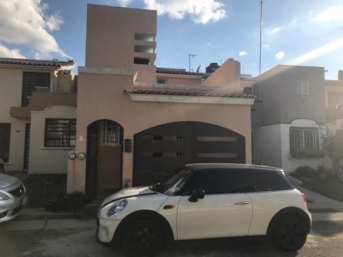 Bonita Casa En Venta En Paseo De La Cañada, Tonalá.