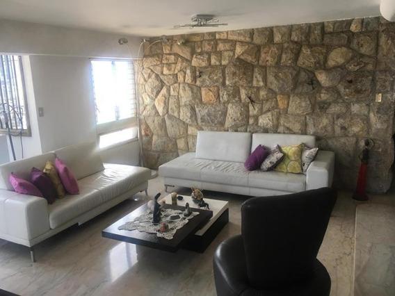 Chacao Apartamento 19-11235 Alexander G 04242091817