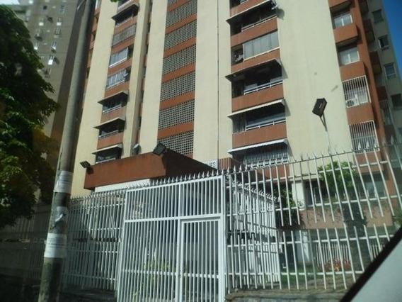 Apartamentos En Venta Tzas Club Hipico 20-14219 Rah Samanes