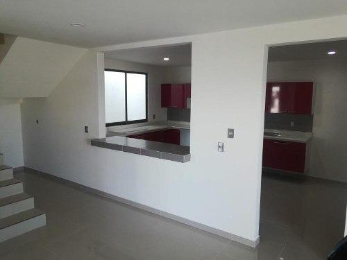 Casa Sola En Venta Paseos De La Herradura, Residencia Equipada.
