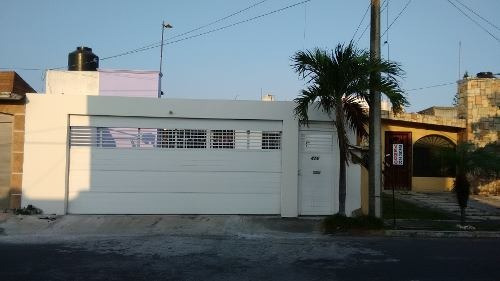 Casa En Venta - Fraccionamiento Flores Del Valle