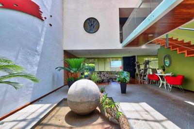 Exclusiva Residencia, Diseño Único, Moderno Minimalista.