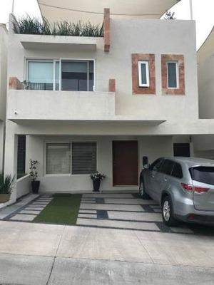 Hermosa Casa En Renta, Zona Cumbres De Juriquilla.