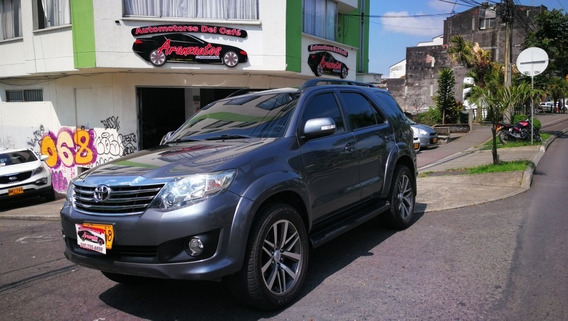 Toyota Fortuner Urbana 4*2 Mod 2.014 Gasolina