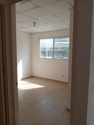 Imagen 1 de 11 de Apartamento En La Castellana Crisol A Pasos Del Tren Y Bus