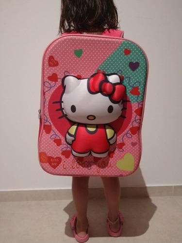 Mochila Hello Kitty Con Relieve