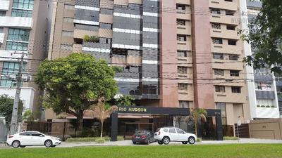 Apartamento À Venda Na Visconde De Guarapuava, Quatro Vagas De Garagem - Batel, Curitiba. - Ap0216