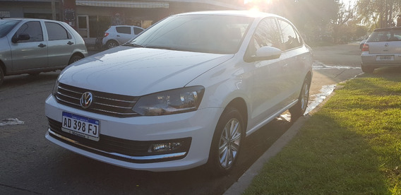 Volkswagen Polo Sedan 2018! 30000 Km.