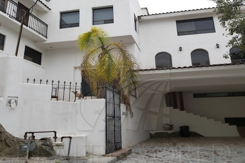 Casas En Venta En Los Colorines, San Pedro Garza García