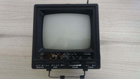 Televisor Analógico Broksonic C/ Rádio Am Fm Preto Branco
