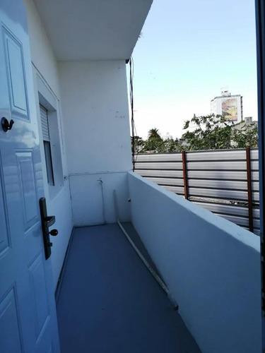 Alquiler Casa  Buceo 2 Dormitorios Balcon