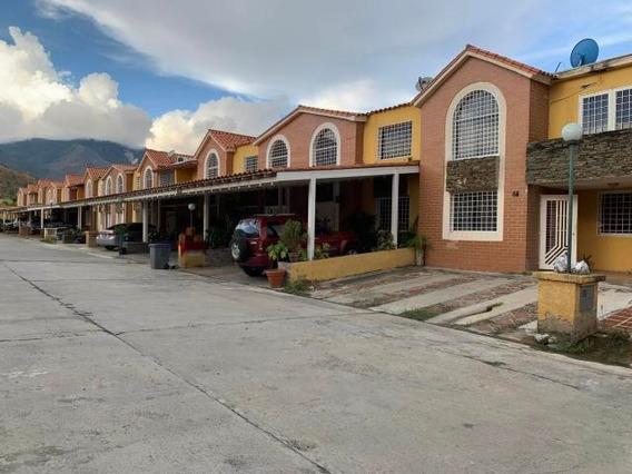 Townhouse Venta En Monteserino San Diego Carabobo 20-4854 Em