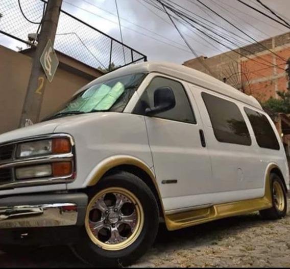 Chevrolet Chevy Van Equipada