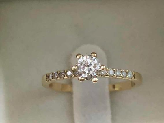 Anel Solitário Em Ouro Amarelo 18k E Diamantes