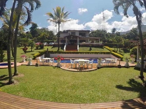 Venta Finca En Girardota, Antioquia, Con Piscina Y Jacuzzi