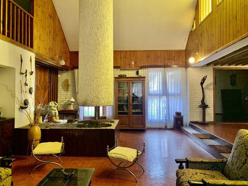 Imagen 1 de 30 de Casa De 3 Dormitorios En Venta En Barrio Jardín Espinosa. Con Escritura. Apto Crédito.