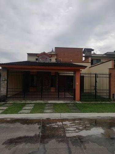 Renta De Casa En Fraccionamiento Finca Real, Cordoba, Verac