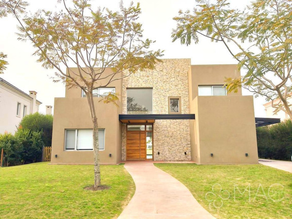 Lagos Del Golf | 5 Dorm, 2 En Suite | Dep | Pileta | Al Lago (102200801)