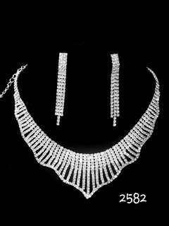 Set Collar + Aros Con Strass !! Mas Una Pulsera Elasti