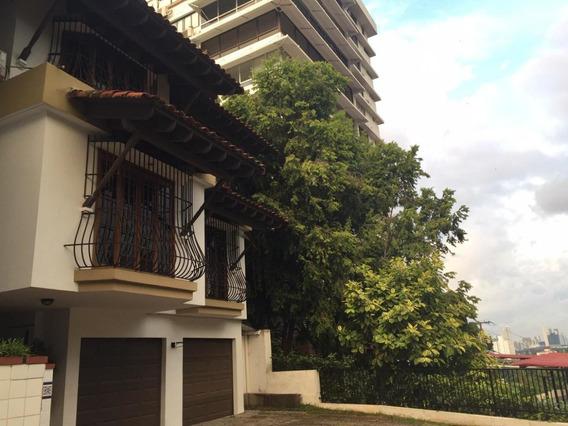 Casa En Venta En Altos Del Golf 19-7053 Emb