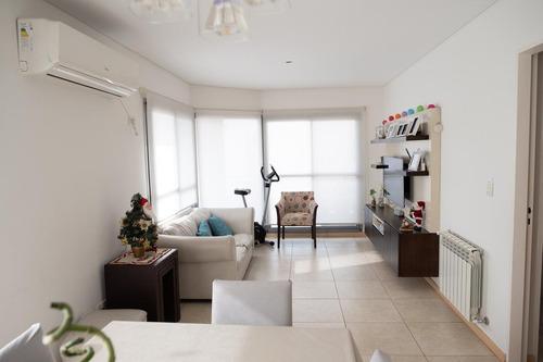 Departamento 2 Dormitorios A Metros De Bv. Oroño - Rosario