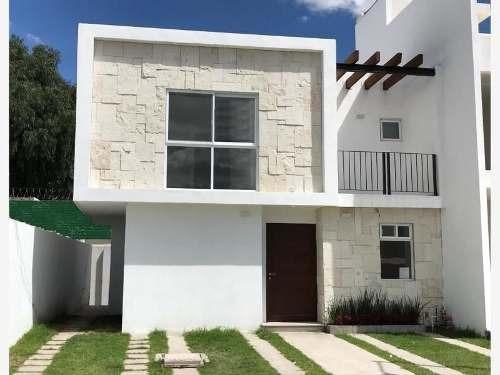 Preciosa Casa En Villas El Roble Tejeda, 4 Recamaras, Una En Pb, Jardín, Alberca