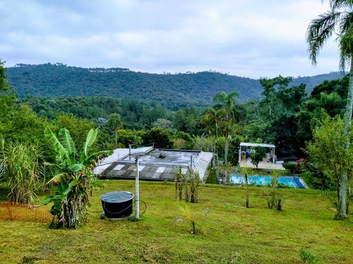 2 Casas, 3 Banheiros, Piscina, Campo De Futebol, Pomar, Lago