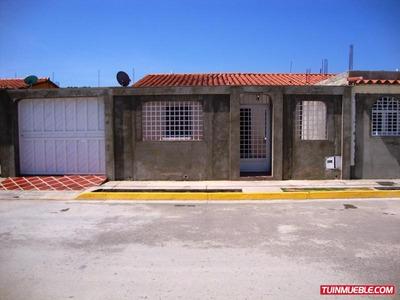 Casas En Venta En Urb. Villa De Campo 2