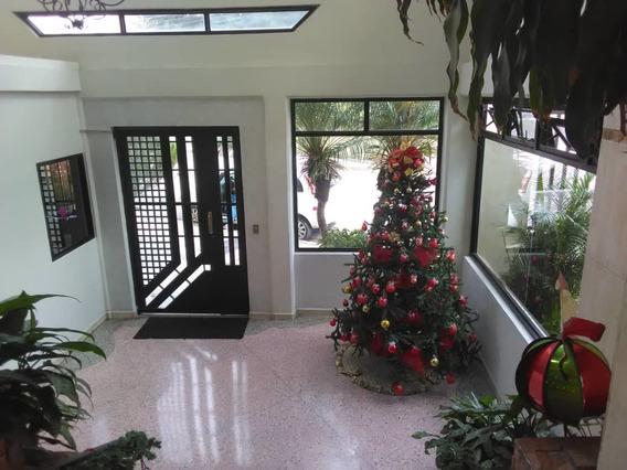 Apartamento En Alquiler/los Caobos/yessika 04249155109