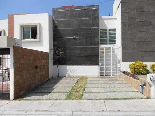 Casa En Venta En Morelia En Col. Lomas